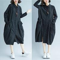 宽松大码女装领条纹口袋中长款衬衣裙秋茧型领长袖连衣裙