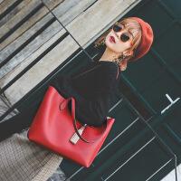 代代花枳女士包包单肩包女大包2017秋季新款欧美时尚托特包流苏十字纹包手提包