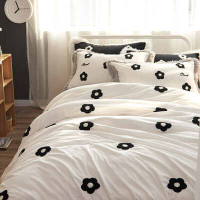 公主风珊瑚绒四件套宝宝绒绣花1.5m1.8m床上用品冬季柔软床单被套 一般在付款后3-90天左右发货,具体发货时间请以与客服协商的时间为准