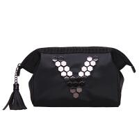 大V铆钉韩版手包式化妆包收纳包防水大容量洗漱包便携化妆袋 黑色 V钉