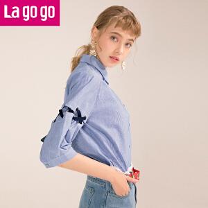 Lagogo/拉谷谷2018年夏季新款时尚袖上绑带纽扣衬衫HACC323Y15