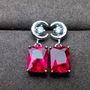 红宝石耳钉,晶体超干净的,