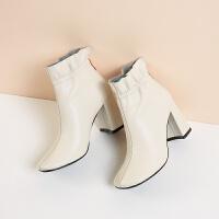 2018秋冬新款靴子女高跟粗跟短靴 �R丁靴英���L方�^米白色皮靴hgl