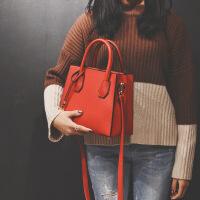 手提包女2018韩版冬季新款简约时尚同款斜跨包方包百搭单肩包