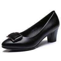 上班工作鞋女黑色皮鞋冬季2018新款中跟粗跟百搭单鞋中年妈妈女鞋真皮