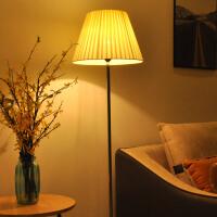 落地灯客厅卧室沙发床头现代创意温馨装饰LED遥控喂奶落地台灯kb6