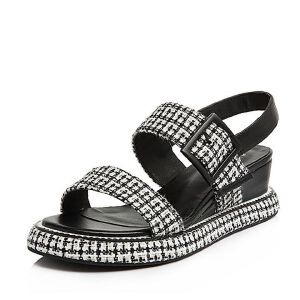BASTO/百思图2018夏季专柜同款布面/牛皮格纹一字带坡跟女凉鞋TCN06BL8