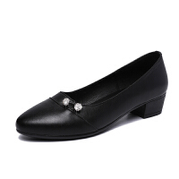中跟妈妈鞋单鞋女软底粗跟中老年春秋季2018新款套脚浅口鞋子