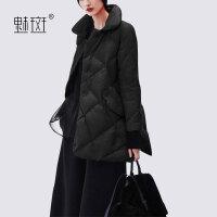 【新年狂欢到手价:668.5】魅斑2019新款宽松显瘦Polo领斗篷羽绒服外套女中长款冬装