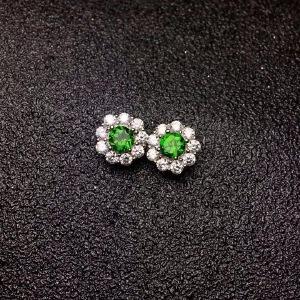 天然透辉石耳钉,颜色超绿的