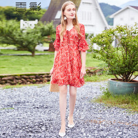 红色碎花连衣裙女香影2018夏装新款气质修身v领雪纺印花喇叭袖裙