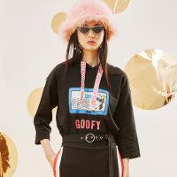 美特斯邦威卫衣女装2018春季新款迪士尼连帽织带宽松套头针织衫