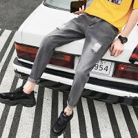 夏季新款男士牛仔裤破洞小脚裤修身港风帅气韩版裤子