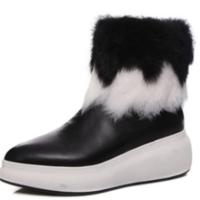 秋冬季新款雪地靴女真皮加绒松糕刺绣厚底休闲兔毛保暖短筒及踝潮 黑色