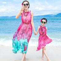 2018年新款亲子装母女连衣裙吊带长裙海边度假沙滩裙马尔代夫显瘦