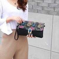 女式手拿包大容量新款手包时尚休闲单肩斜挎百搭包信封手抓包