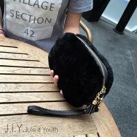 秋冬新款韩版配皮草羊毛手拿包手机包潮女链条小包毛毛包单肩