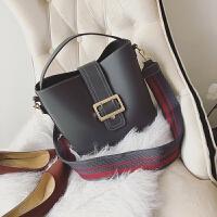 包包秋冬季新款欧美时尚水桶子母包宽肩带单肩斜挎包女包大包
