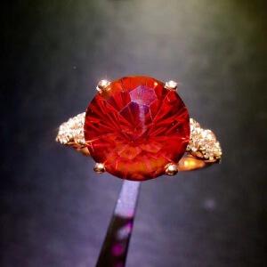 天然鸽血红托帕戒指,精致迷人红帕石