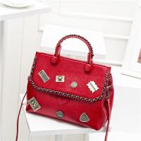 欧美包包新款复古徽章贝壳包女包手提包百搭单肩斜挎包大包潮 红色