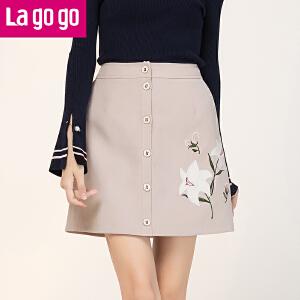 Lagogo2017年秋季新款浅驼色贴布绣花单排扣半身裙女包裙短款裙子