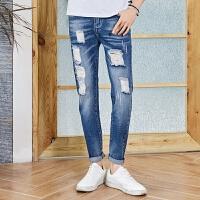 2018春夏季新款青年男士牛仔裤子破洞修身韩版潮流直筒 洗水牛仔蓝
