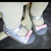 拥抱熊春秋宝宝鞋子软底公主皮鞋学步鞋防滑婴儿鞋不掉鞋1-2-3岁