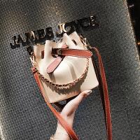 链条包包女2018夏季新款潮手提单肩包韩版时尚百搭斜挎水桶包