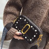 小羊皮女包2018新款包包韩版潮流铆钉小方包相机包休闲单肩斜挎包SN3704 黑色羊皮
