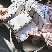 女士包包2018新款女包韩版百搭小方包时尚柳钉单肩包斜跨小包包潮