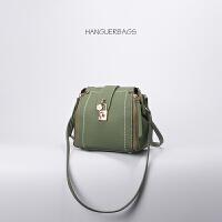 多功能双肩包链条斜挎包红色小包包女新款韩版百搭女包水桶包 纯绿色