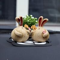 创意汽车摆件情侣车饰摆件可爱车内饰品摆件装饰品饰品兔子